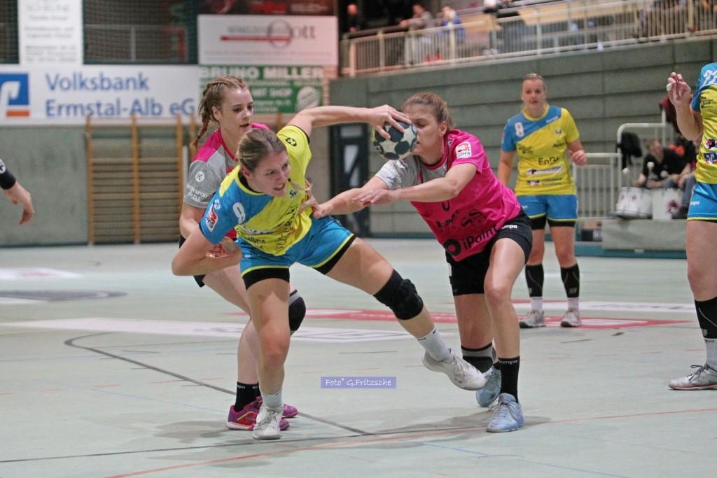 Nadja Greinert im Hinspiel gegen die TuS Metzingen II |Bild: G. Fritzsche