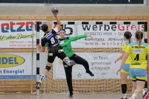 Sophie Leenen im Tor des SV Allensbach gegen die SG Schozach-Bottwartal