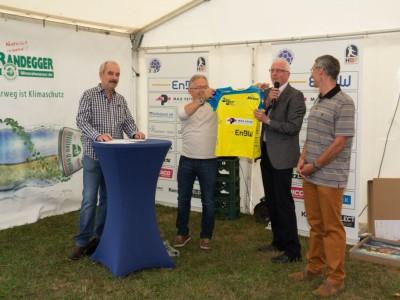 v.l.: Dietmar Blum (HSA, Sponsoringvorstand), Max Petek (Petek Reinraumtechnik Radolfzell), Philipp Marquart ( HSA, 1. Vorstand) und Dr. Wolfram Jänisch ( HSA, Sportvorstand)